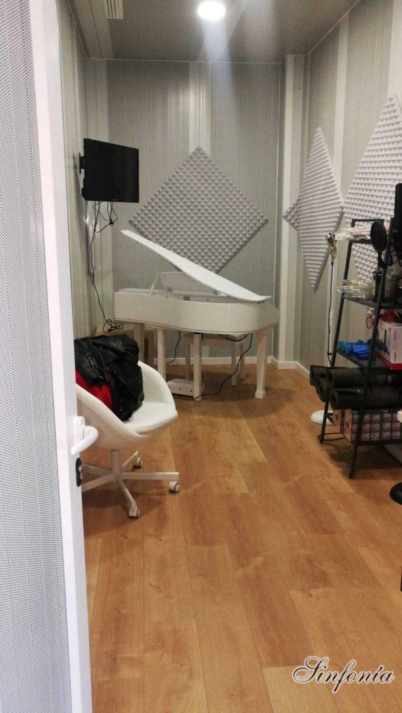 clases de piano de cola